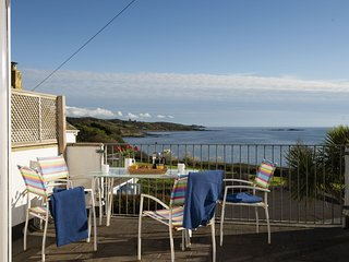 Little Trevara - A  two -bed coastal cottage in Marazion with modern convenience