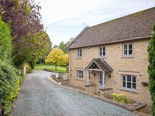 Orchard House is a stylish home in the pretty village of Great Rissington.
