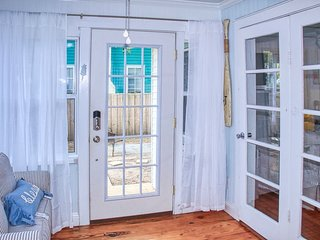 Historic Pass-A-Grille Beach Bungalow 3110