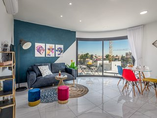 Funky round Suit 2BDR with BALCONY& VIEW - Even Israel