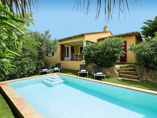 Prestigieuse Villa équipée, Piscine Privée | Panier d'Acceuil + Wi-Fi GRATUIT