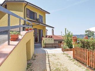 Beautiful home in Camaiore w/ 3 Bedrooms (ITV971)