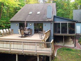 Lakefront home w/ dock, screened porch, deck & firepit - dogs OK!