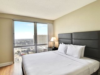 Upscale Stay Alfred on Fannin Street