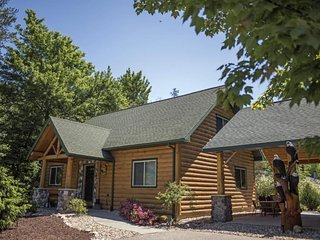 Linken Log Cabin at Spring Brook Resort | Amazing 5BR Home by Golf Course