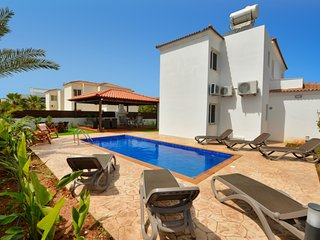 NISSI GOLD VILLA, 4 BED VILLA WITH PRIVATE POOL AND GARDEN AYIA NAPA
