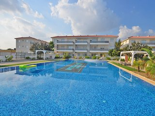 MYTHICAL APARTMENT - 2 BED SLEEPS 6 COSE TO PROTARAS