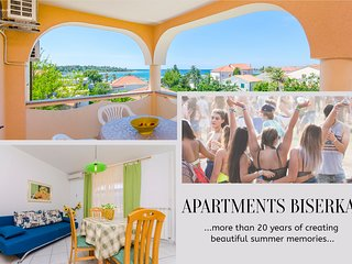 Funky One-Bedroom Apartment with Terrace, Novalja