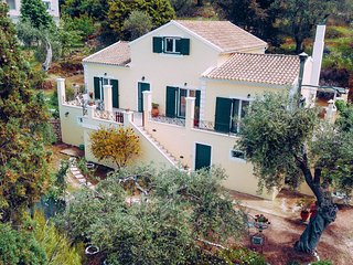 Villa Costa: Family villa, A/C, WiFi, sleeps 7