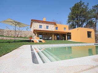 5 bedroom Villa with Pool, Air Con and WiFi - 5817422