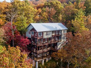 The High Life: Come experience Black Mountain & Asheville at it's best!  Stunnin
