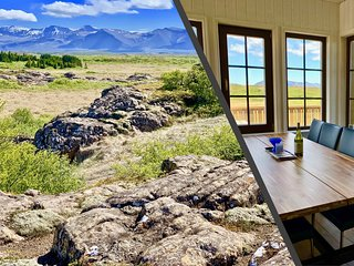 Warm Cottage for 10 with Guest House and HotTub close to Snaefellsjokull Glacier