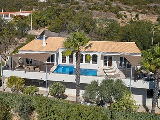 Calicos Villa Sleeps 6 with Pool Air Con and WiFi - 5681621