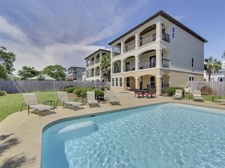Life's A Beach: New Fall Rates! Two private pools, close to the beach!
