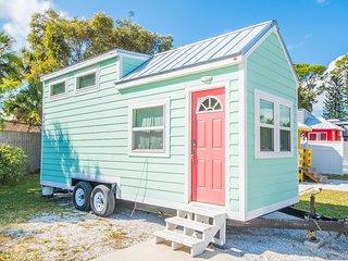 Tiny House - Flamingo