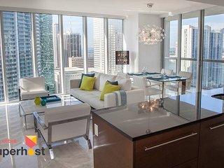 ★Large Luxury Condo★W Residences★3 Smart TVs!★Exclusive Services!★Bric