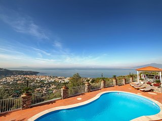 Villa Miramare - Sea view, terrace and pool