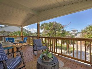Ormond Beach Home w/ Spacious Screened Porch!