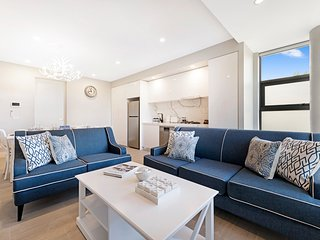 NEW! Amazing 2 Bed Deluxe Apartment in St Kilda