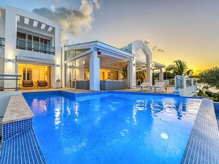 Villa Amaryllis | Waterfront - Located in Stunning Simpson Bay with Private Po