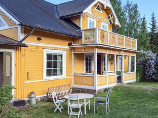 Nice home in Kristdala w/ Sauna and 4 Bedrooms