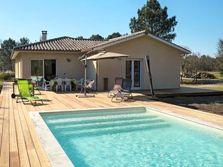3 bedroom Villa with Pool and WiFi - 5649940