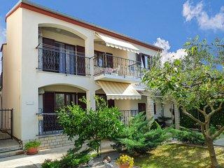 Nice apartment in Rovinj w/ 2 Bedrooms