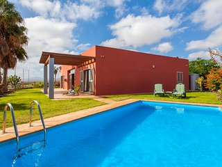 3 bedroom Villa with Pool and WiFi - 5817618