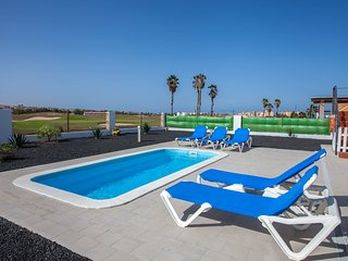 Urbanizacion Fuerteventura Golf Club Villa Sleeps 6 with Pool
