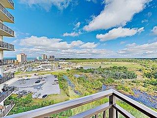 Origin Condo w/ Rooftop Pool & Spa, Balcony & Private Beach Access