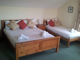 Old MacDonald's Farm (Room 1 ensuite family sized with sea view)
