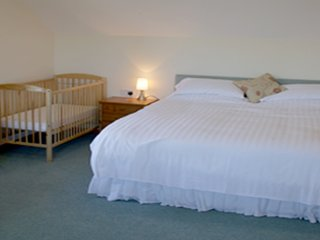 Old MacDonald's Farm (Room 3 ensuite family sized with sea view)
