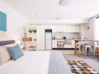 Stylish Manly Studio With BBQ Terrace and Parking
