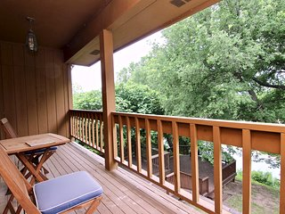 River Park Oasis!! Next to Texas State Tubes- GREAT LOCATION!