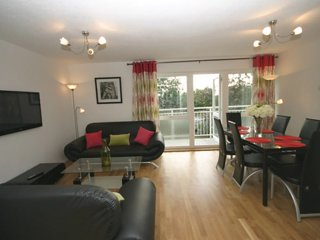 Bishops Court - Quality South Cambridge Apartment