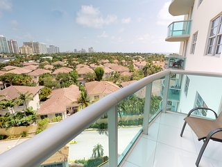 724 Premium One Bedroom Suite Bay View! Located just steps to the Beach!