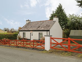 CURRAGHAMONE, woodburning stove, garden with patio, in Ballybofey, Ref. 960541