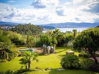 Combarro Villa Sleeps 6 with Pool - 5817776