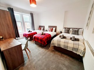 ⭐️Klass Living -  Station Apartment, Bellshill⭐️ - | Book Direct for Best Rates
