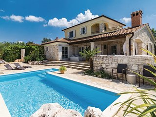 Amazing home in Stifanici w/ WiFi and 3 Bedrooms (CIL497)