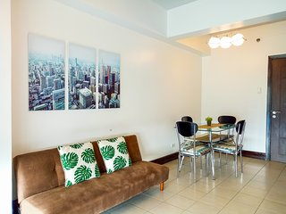 Stunning 1BR at BGC Burgos Circle/St. Lukes +WiFi