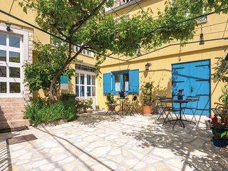 Amazing home in Posedarje w/ WiFi and 3 Bedrooms (CDA251)