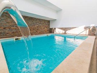 Maré Cheia Apartamento T2 Férias com piscina interior e exterior