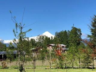 Vista desde las Cabañas al Volcán Villarrica.
