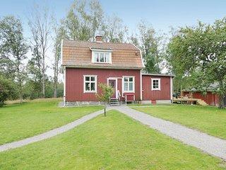 Amazing home in Orsjo w/ 3 Bedrooms