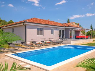 Beautiful home in Pula w/ WiFi, Outdoor swimming pool and 3 Bedrooms (CIP737)