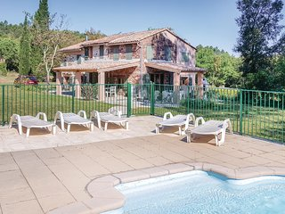 Beautiful home in Gonfaron w/ WiFi and 4 Bedrooms (FCV718)