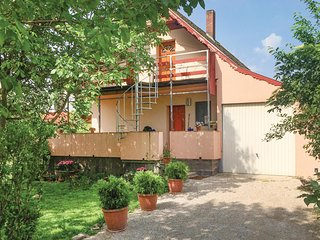 Awesome home in Vonyarcvashegy w/ 1 Bedrooms and WiFi (UBN475)
