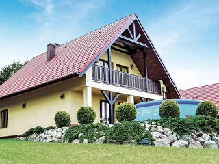 Amazing home in Malechowo w/ WiFi and 3 Bedrooms