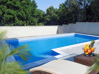 Beautiful home in Pula w/ Outdoor swimming pool and 4 Bedrooms